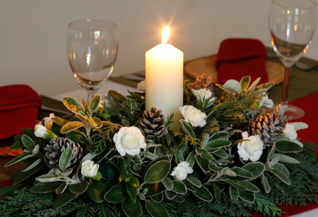 <b> How to: </b> Make an elegant centrepiece for your Christmas table using cuttings from your garden