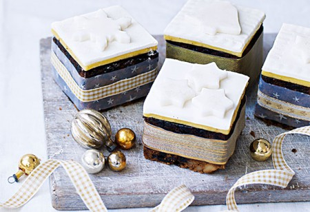 <b> Recipe: </b> Try these festive mini Christmas cakes
