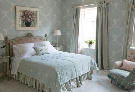 <b>  Get set for Easter: </b> 5 quick ways to refresh your guest bedroom
