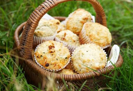 <b> Children&#8217;s recipe: </b> Herby cheese muffins