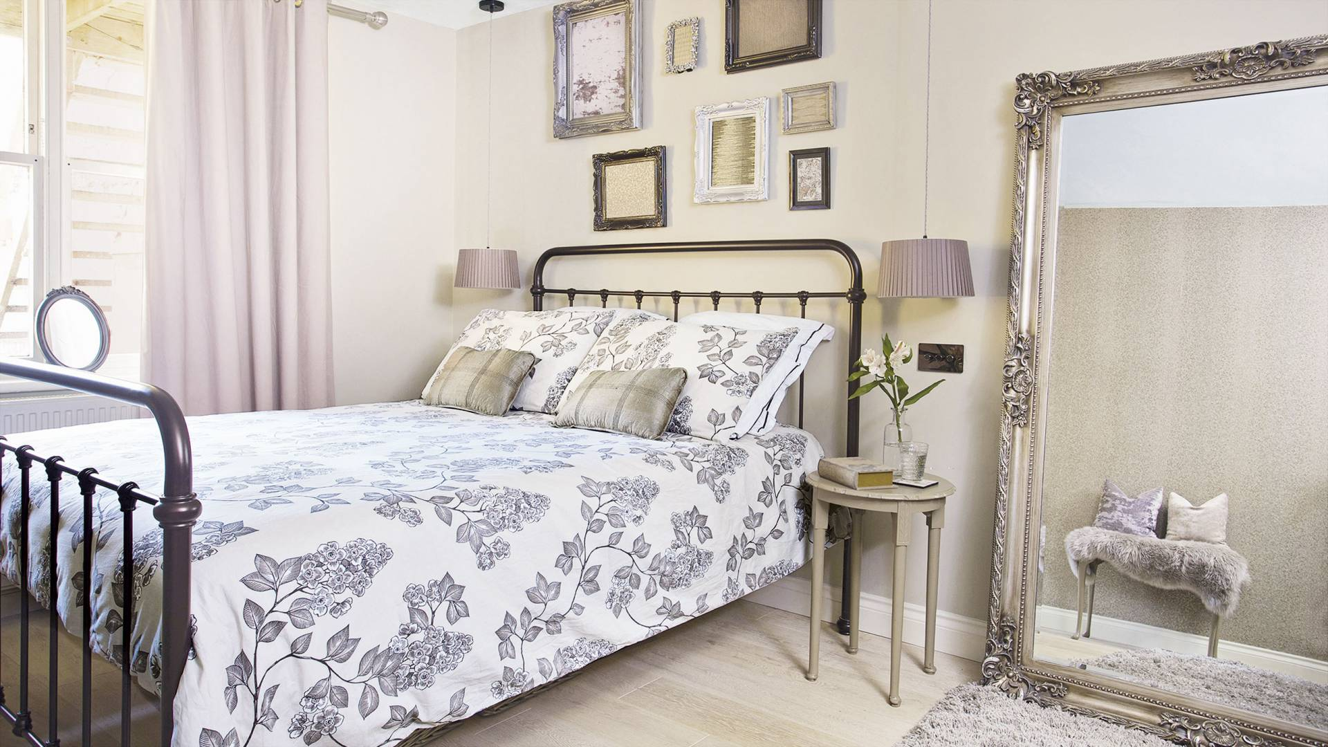 Accessories Richard Gadsby for 25 Beautiful Homes